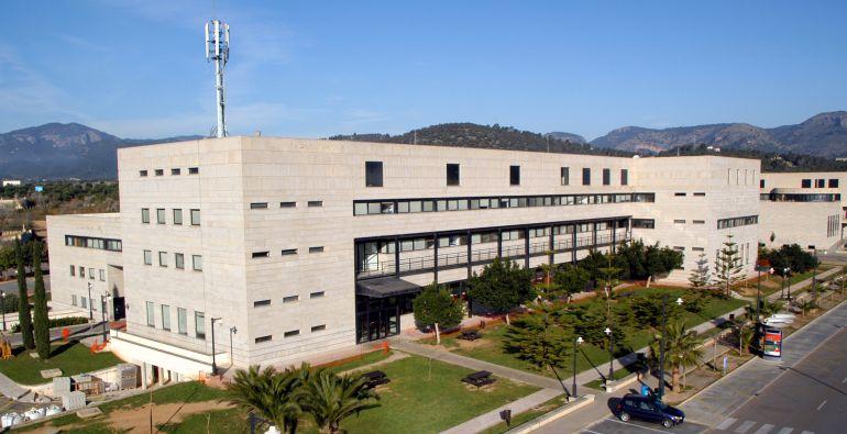 """Pau de Vílchez a Cadena Ser Mallorca «La UIB pide una """"apuesta valiente"""" por la fiscalidad verde»"""