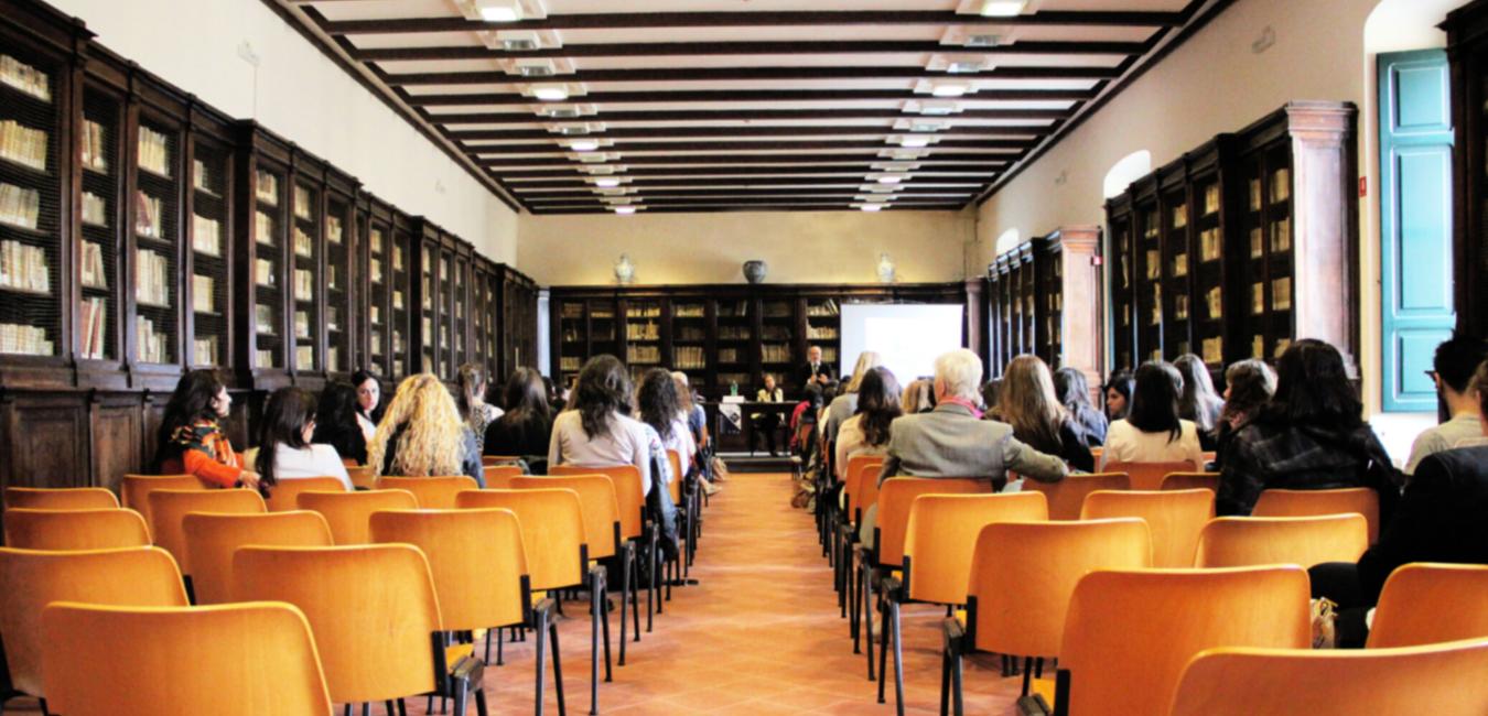 Totes les conferències mensuals del LINCC d'aquest curs queden ajornades fins a nou avís